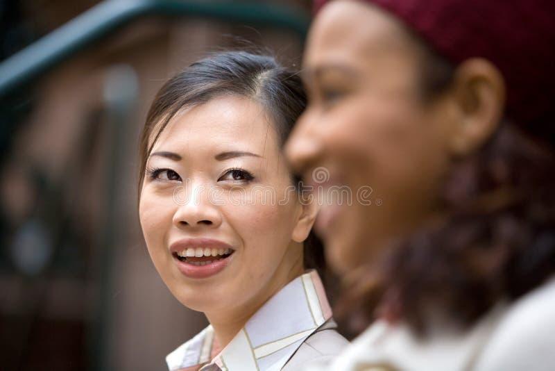lyckliga kvinnor för affär fotografering för bildbyråer