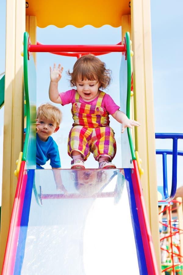 lyckliga litet barn två royaltyfria foton