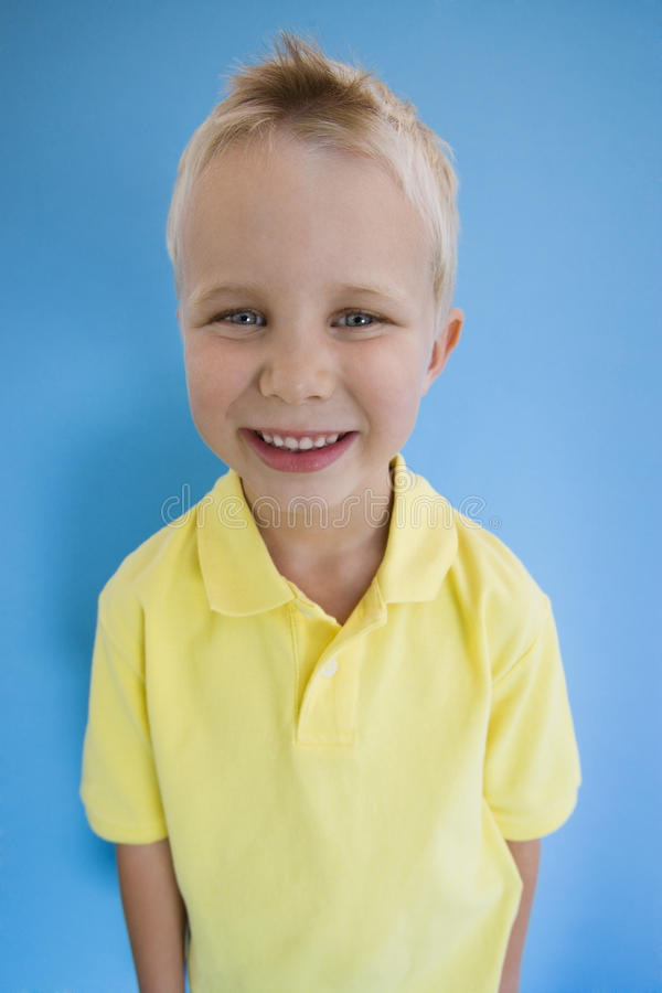 Lyckliga Little Boy royaltyfri fotografi
