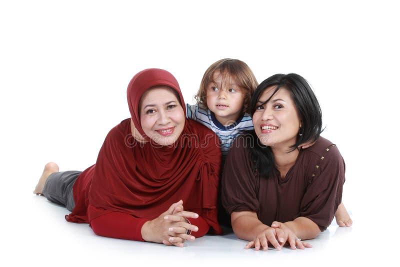 lyckliga muslim för familj royaltyfri bild