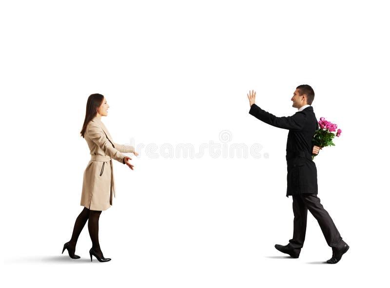 Lyckliga par som går att möta sig arkivfoto