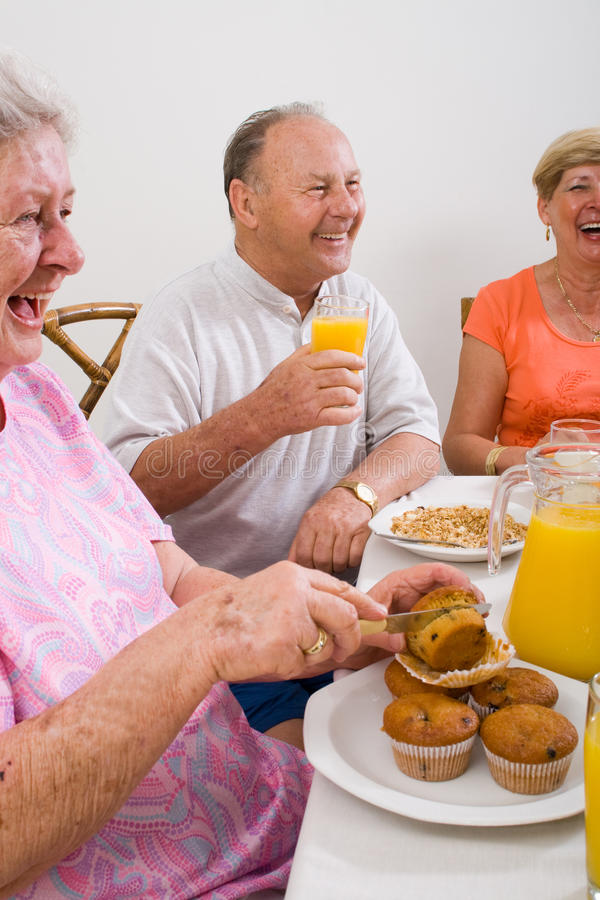 lyckliga pensionärer royaltyfria foton