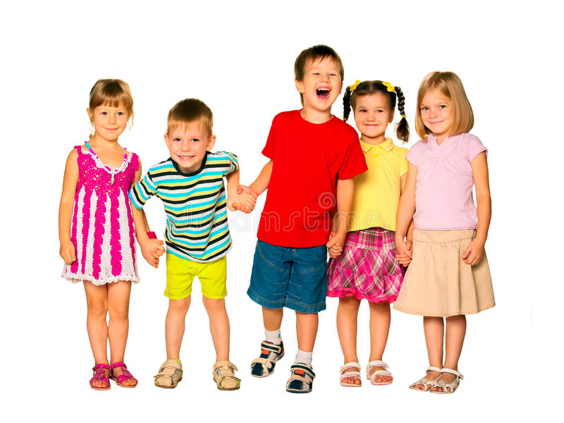 Lyckliga skratta ungar som rymmer händer royaltyfri foto