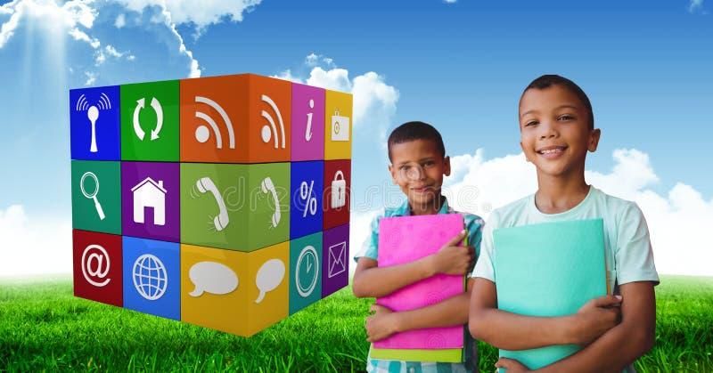 Lyckliga studenter med böcker vid app-symboler royaltyfri bild
