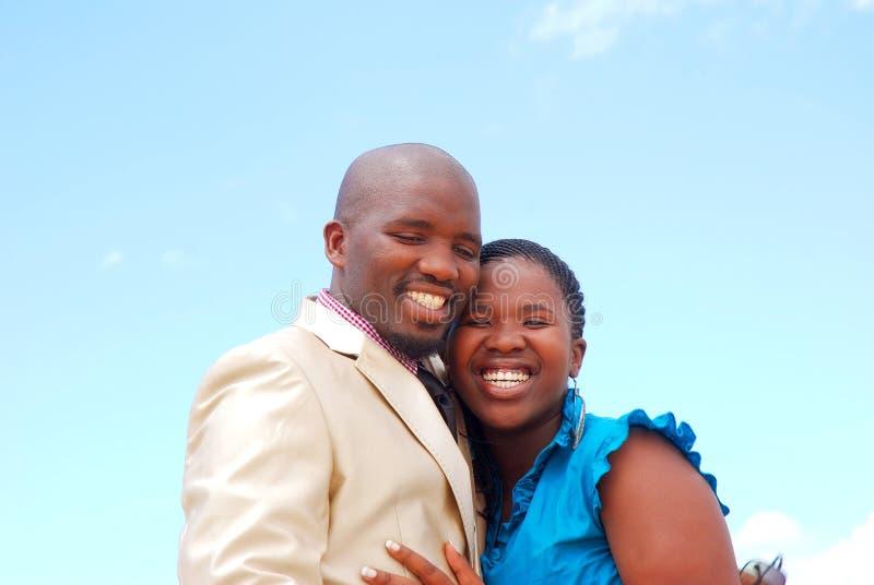 lyckliga svarta par royaltyfri bild