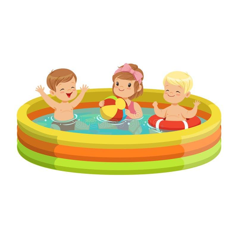 Lyckliga ungar som har gyckel i den uppblåsbara simbassängen, färgrik teckenvektorillustration royaltyfri illustrationer