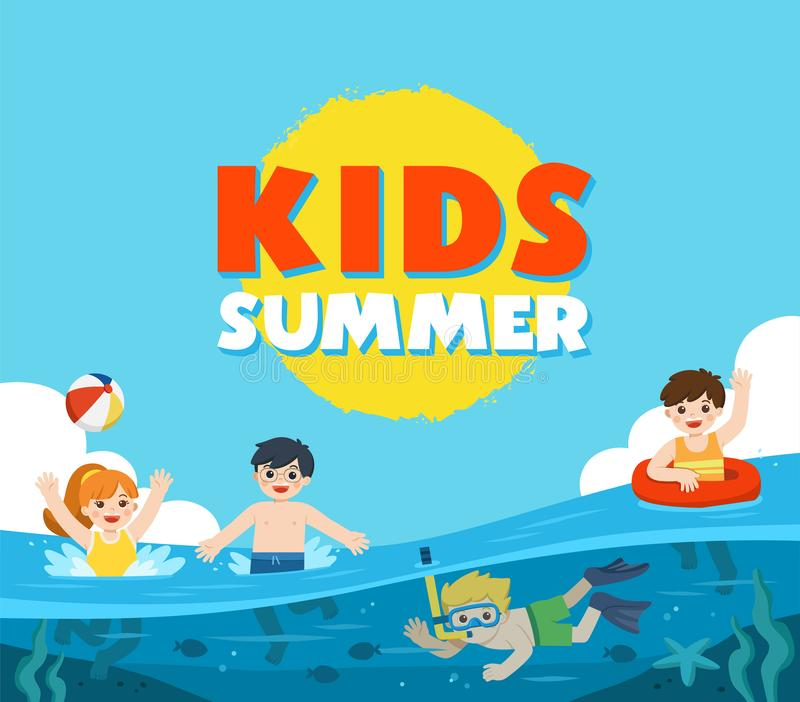 Lyckliga ungar spelar och simmar i havet Lite pojkedykning med fisken under havet Ungar som har roligt utomhus royaltyfri illustrationer