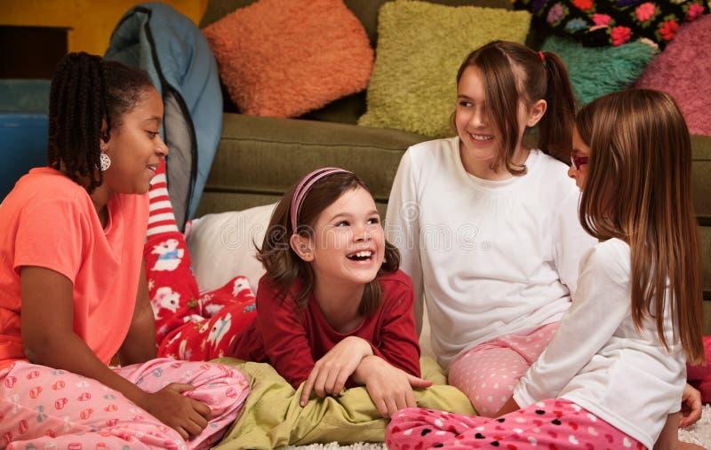 lyckligt barn för flickor arkivfoto