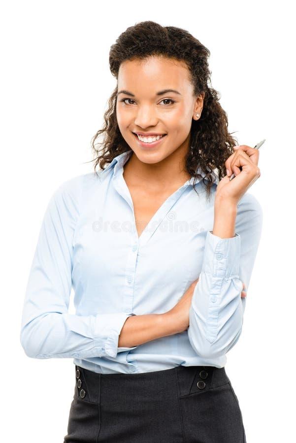 Lyckligt le för afrikansk amerikanaffärskvinna som isoleras på vit  arkivfoto