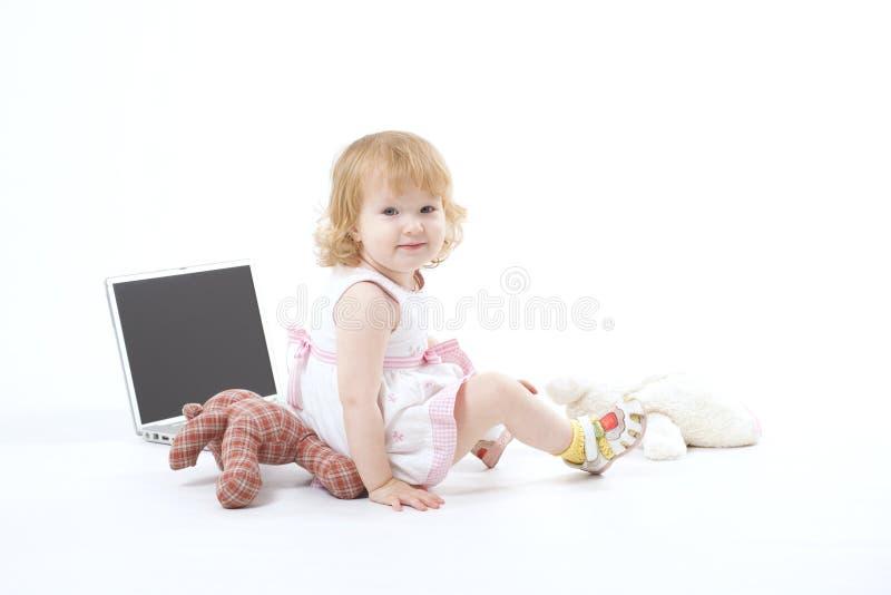 lyckligt le för flicka royaltyfri bild