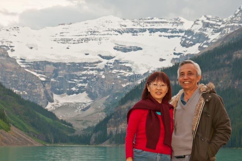 lyckligt le för pensionärer royaltyfri fotografi