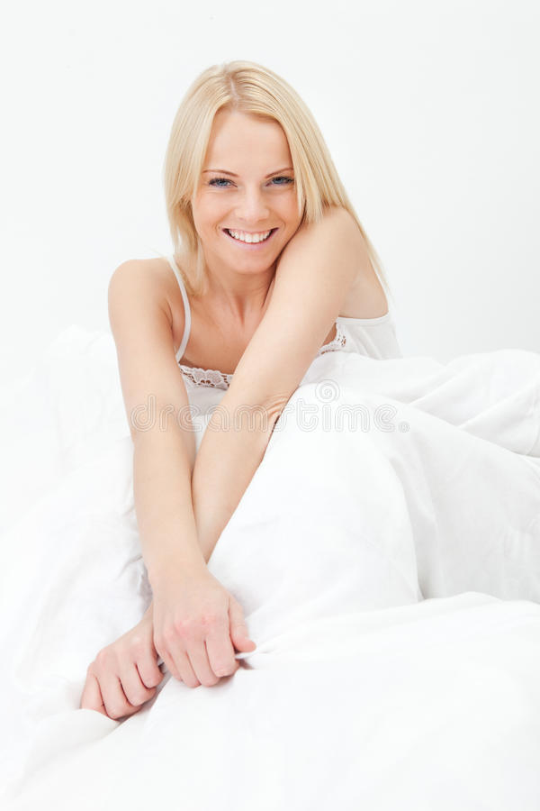 lyckligt le upp vakna kvinnabarn royaltyfri fotografi