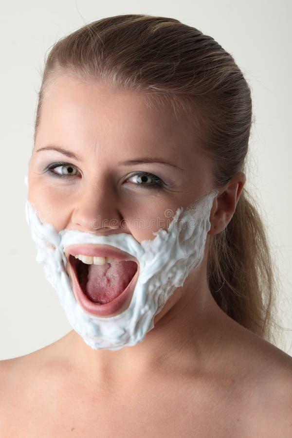 lyckligt nätt vitt kvinnabarn för skägg royaltyfria bilder
