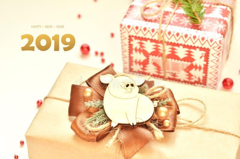 Lyckligt nytt år 2019 År av svinet fotografering för bildbyråer