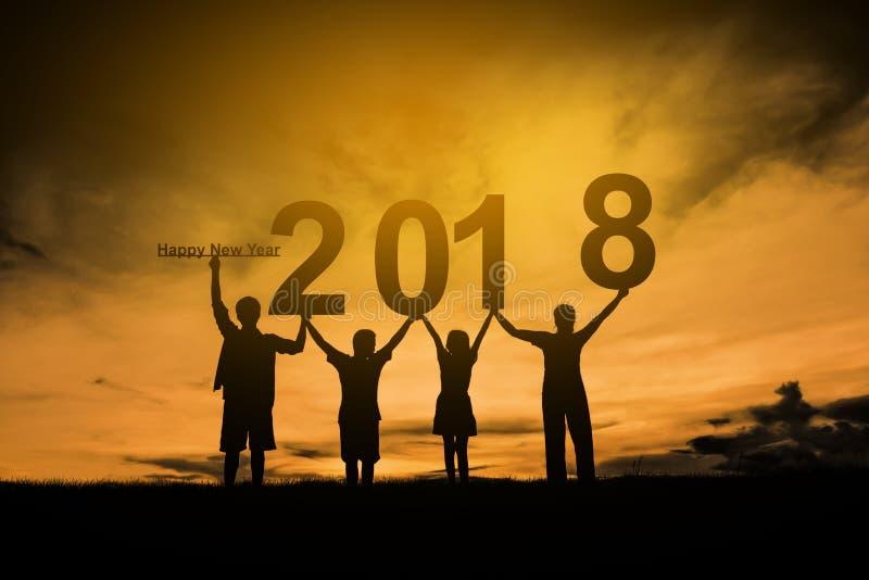 Lyckligt nytt år 2018 för familj royaltyfria bilder