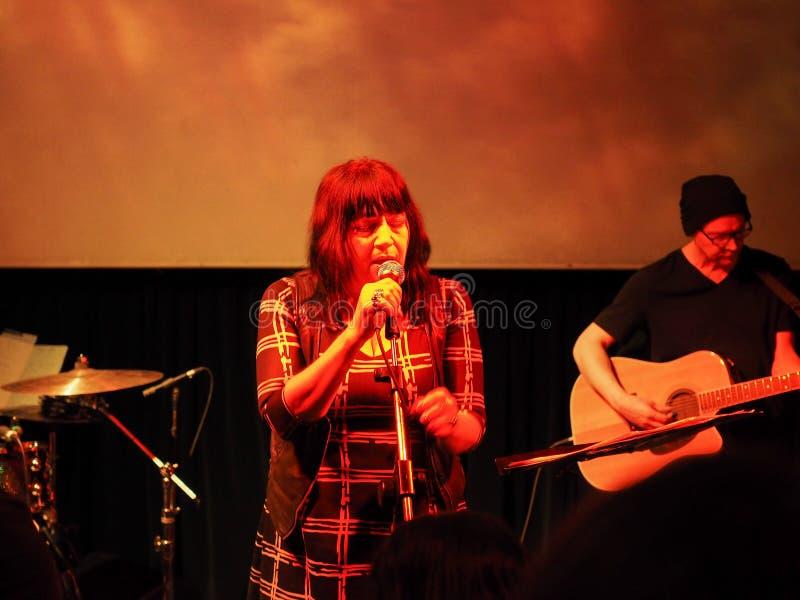 Download Lydia Lunch Koncert W Turyn Zdjęcie Editorial - Obraz złożonej z europejczycy, lunch: 106903291