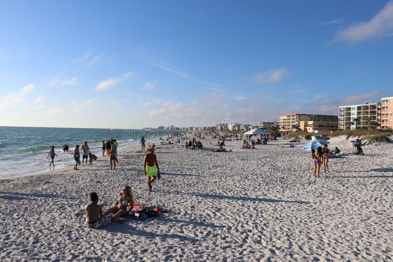 Lyfta av portarna på Johns passerande Florida royaltyfria foton