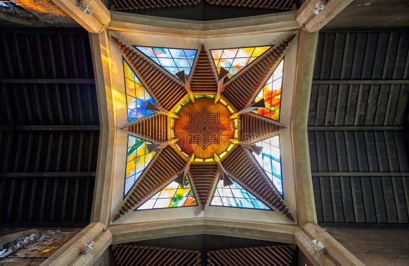 Lyktatorn av Sheffield Cathedral sheffield england royaltyfri foto