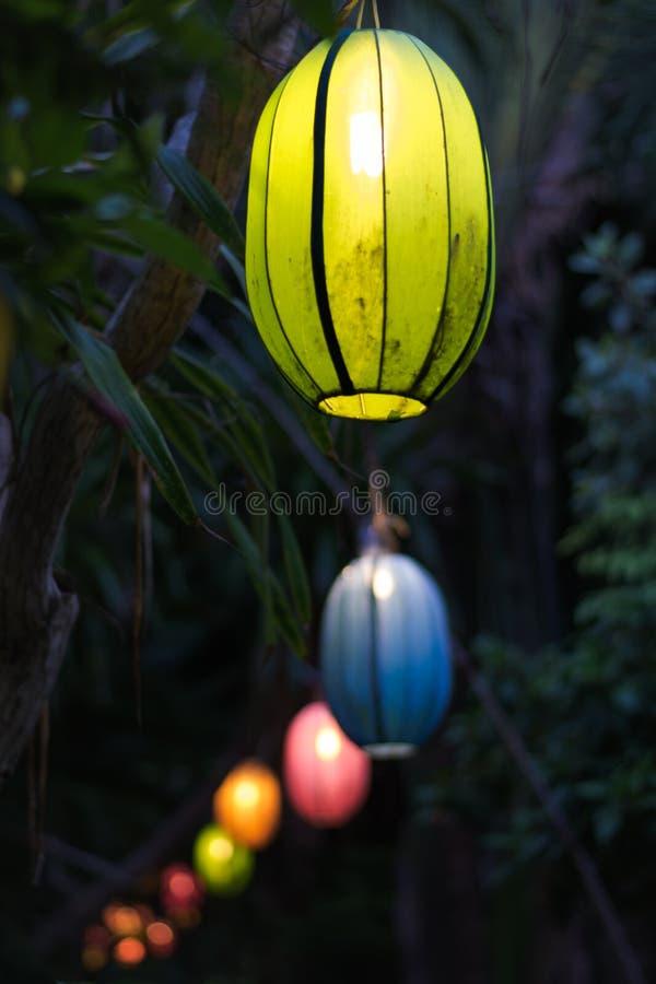 Lyktor av ljus och färger fotografering för bildbyråer