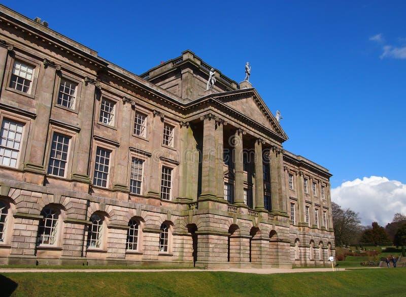 Lyme Hall i nordliga England royaltyfri fotografi