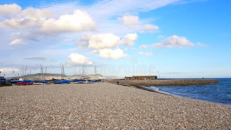 Lyme REGIS en botenhaven Jurakust van Dorset het UK stock foto