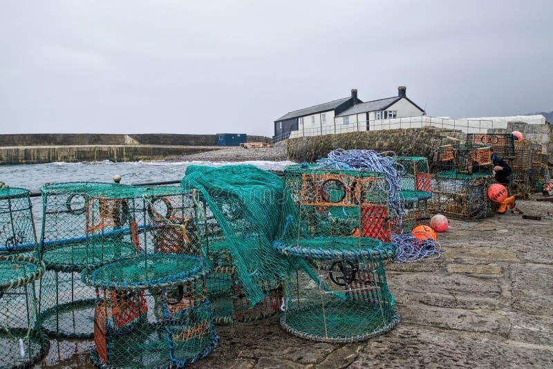 Lyme Regis hamn arkivbild
