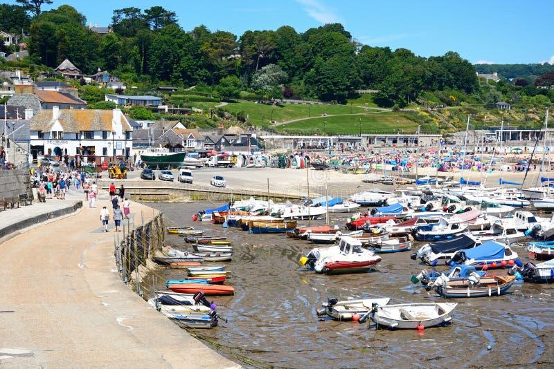 Lyme Regis hamn arkivfoto