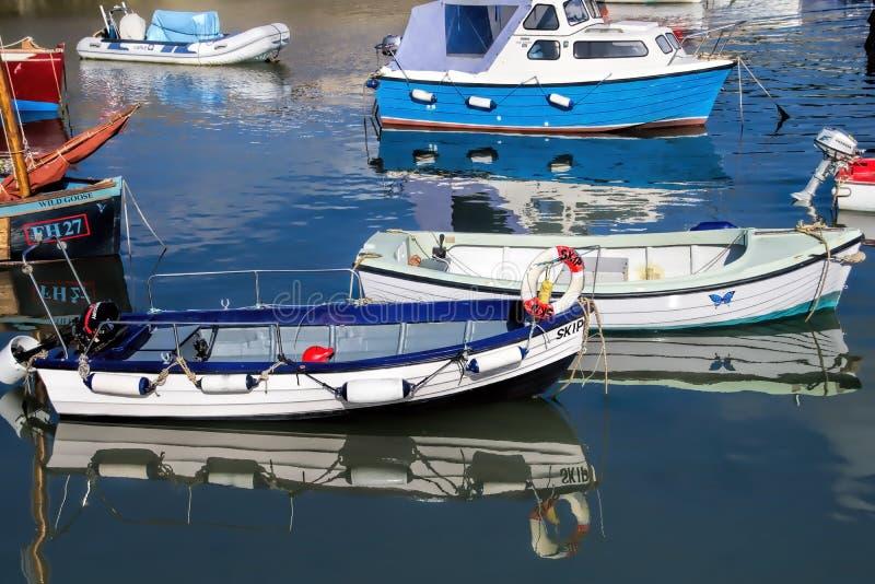 Lyme Regis Harbour - Juli 2015 royaltyfria foton
