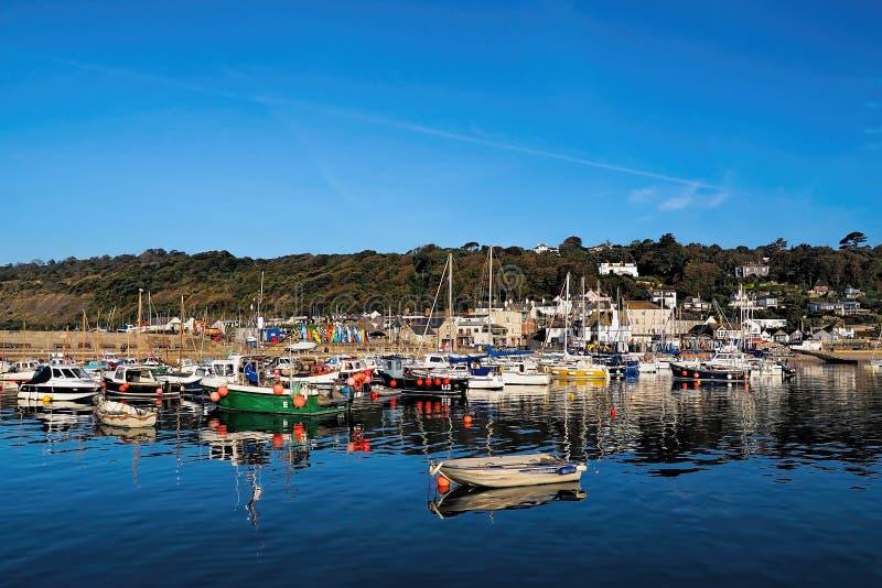 Lyme Regis Harbour - September arkivfoton