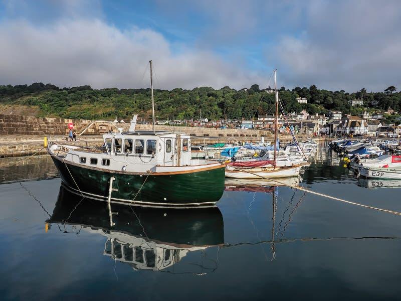 Lyme Regis Harbour - September royaltyfri foto