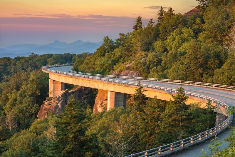 Lynn Cove Viaduct, salida del sol escénica, Carolina del Norte fotografía de archivo libre de regalías