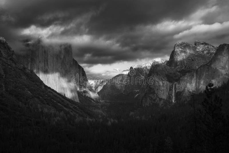 Lynnen av Yosemite royaltyfria bilder