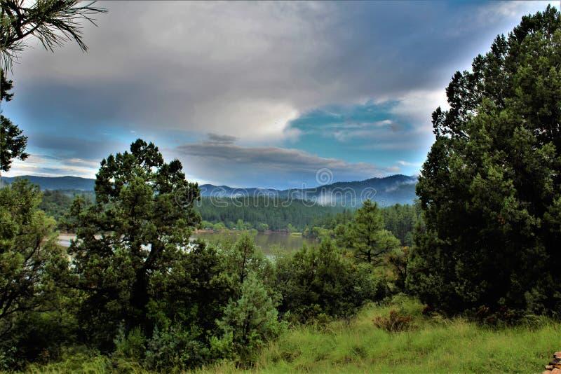 Lynx湖,布拉德肖别动队员区,普里斯科特国家森林,亚利桑那州,美国 库存图片