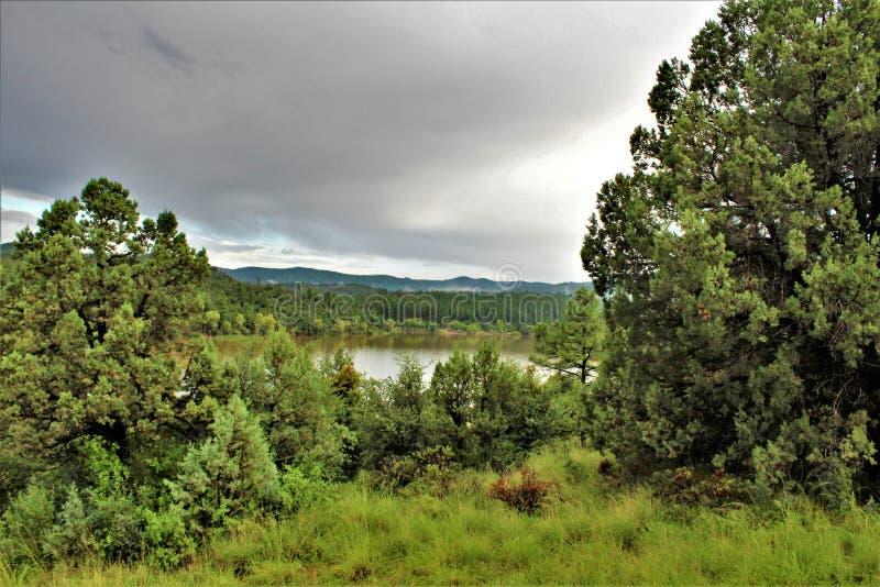 Lynxmeer, Bradshaw-Boswachtersdistrict, Prescott National Forest, Staat van Arizona, Verenigde Staten royalty-vrije stock foto