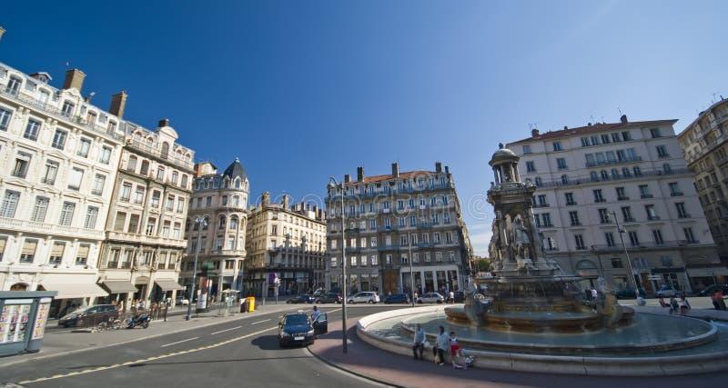 Lyon-alter Rathausplatz lizenzfreie stockfotos