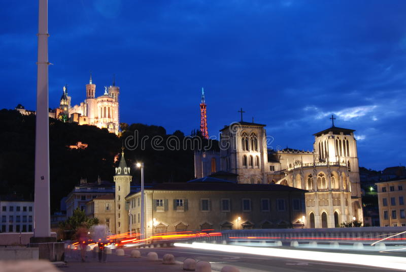 Lyon nachts stockbilder
