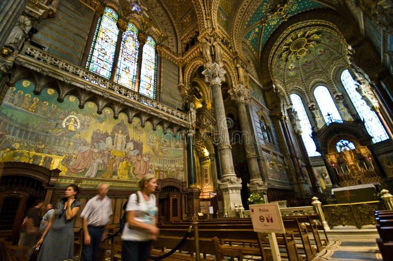 Lyon Notre Dame Cathedral Weitwinkel lizenzfreies stockfoto