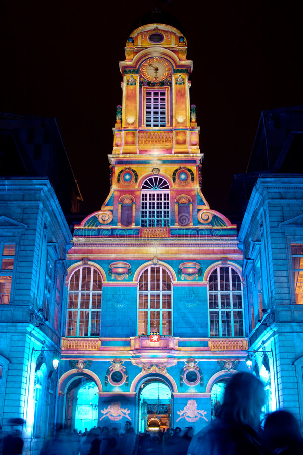 Lyon: Os pátios da cidade salão (France) fotografia de stock