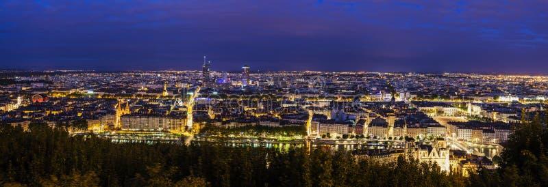 Lyon-Panorama nachts lizenzfreie stockfotografie