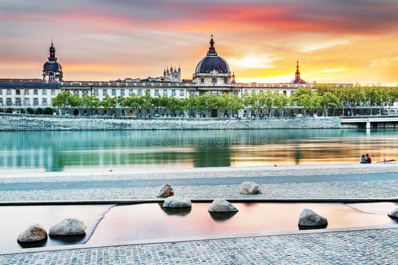 Lyon par coucher du soleil en été image libre de droits