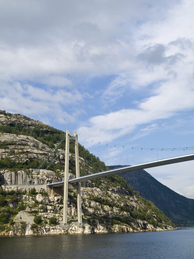 lysefjord моста сверх стоковое изображение rf