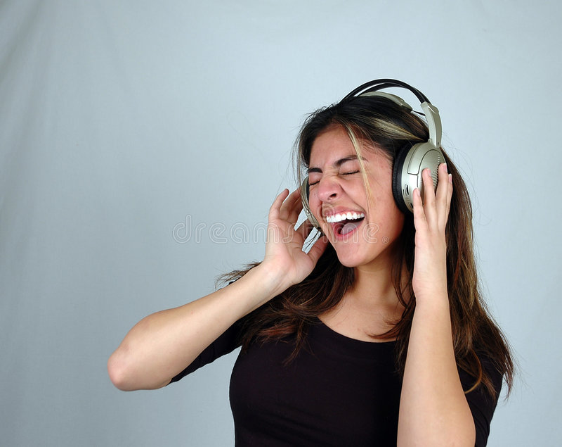 lyssnande musik 10 till arkivbild