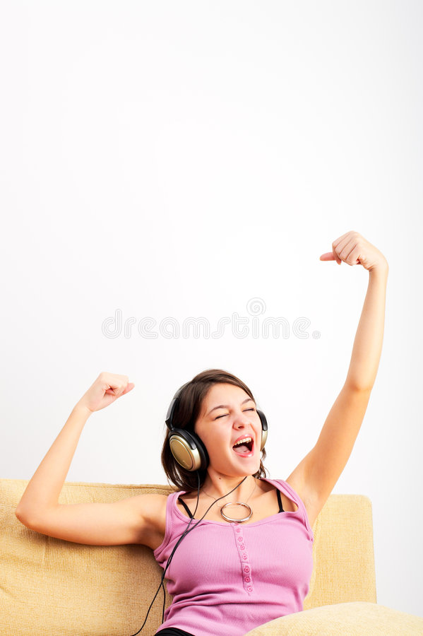 lyssnande musik royaltyfri fotografi