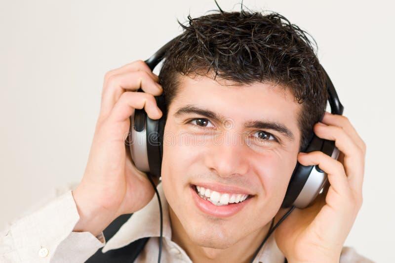 lyssnande musik royaltyfri foto