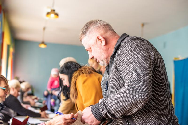 Lysychansk, de Oekraïne - de Verkiezing van 03-31-2019 van de President van de Oekraïne royalty-vrije stock foto