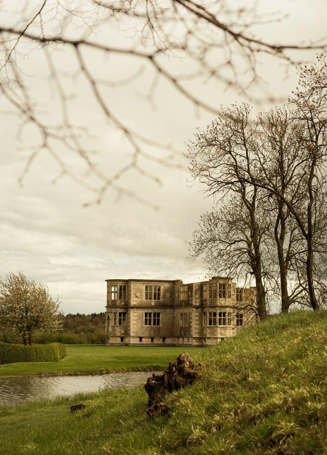 Lyveden ny Bield trädgårdsikt arkivbilder