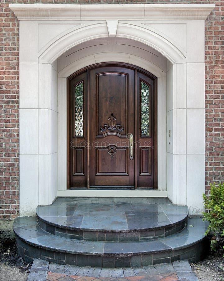 lyx för dörröppningstillträdesutgångspunkt till royaltyfria foton