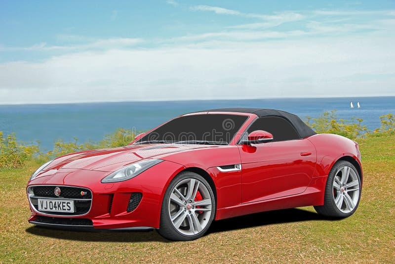 Lyxig f-typ jaguarsportbil arkivfoto