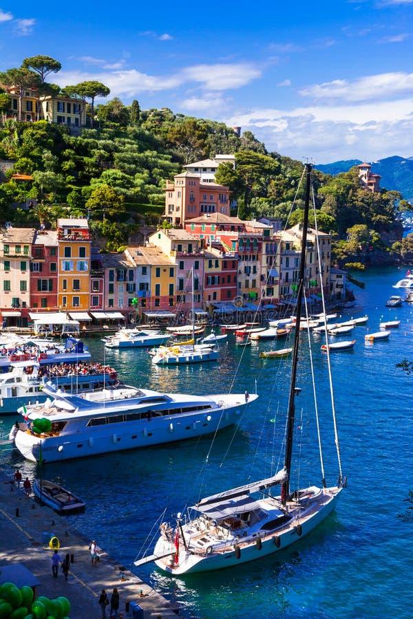 Lyxig italienare semestrar - härliga Portofino i Liguria royaltyfri bild
