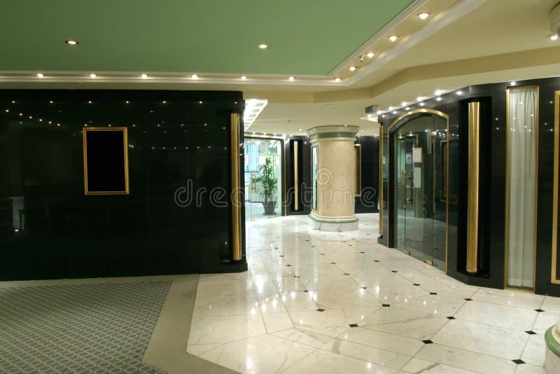 lyxig korridor fotografering för bildbyråer